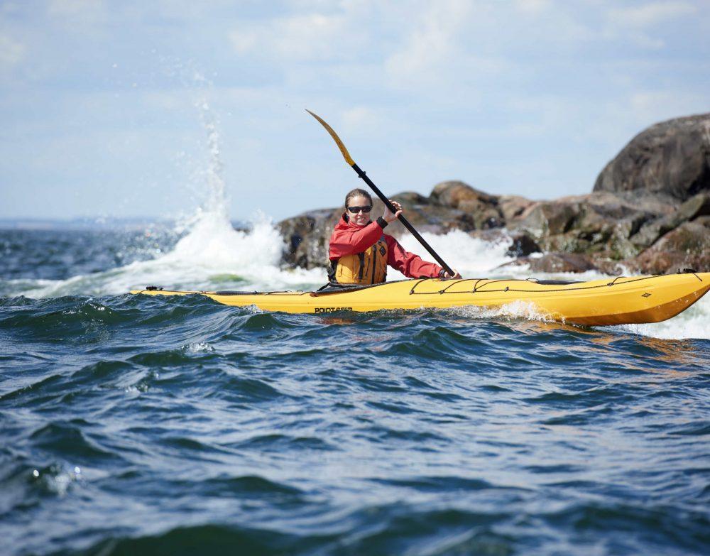 160819_kayaks_w163l_lina_paddling_2